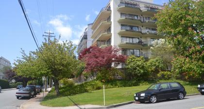401 - 747 17th, Ambleside, West Vancouver